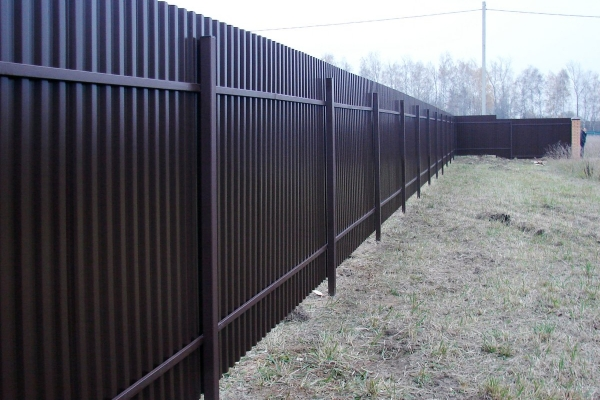 Забор из профлиста недорого